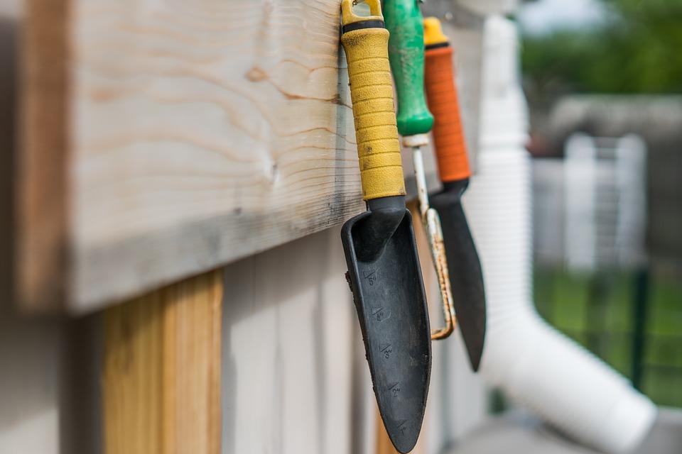 Les outils de jardinage pour les professionnels et amateurs, voici quelques uns