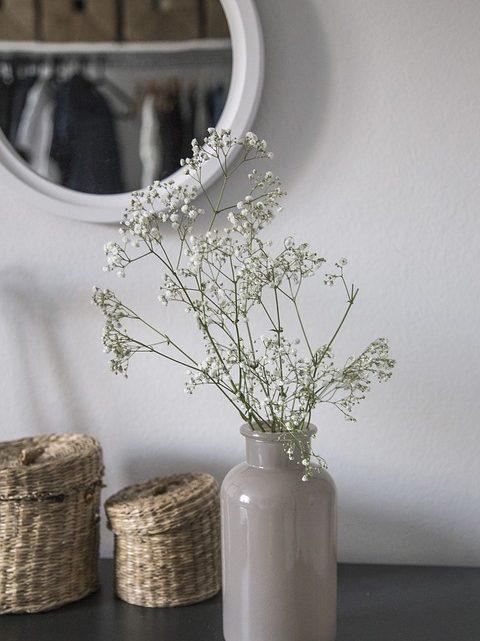 Embellir les pièces de la maison avec des fleurs
